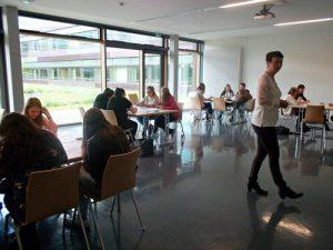 Gruppenarbeit beim Lern-Workshop